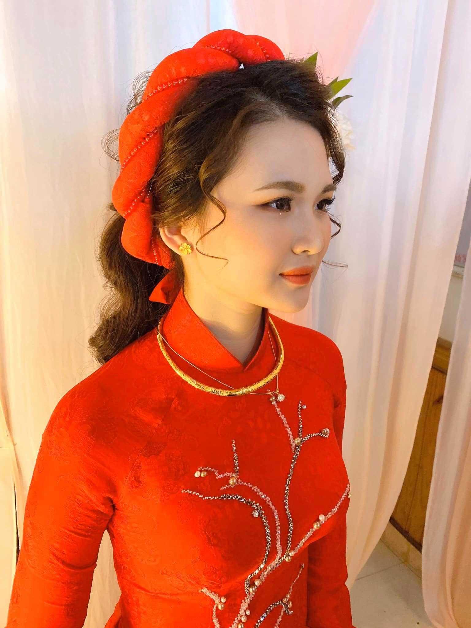 trang điểm cô dâu tone cam