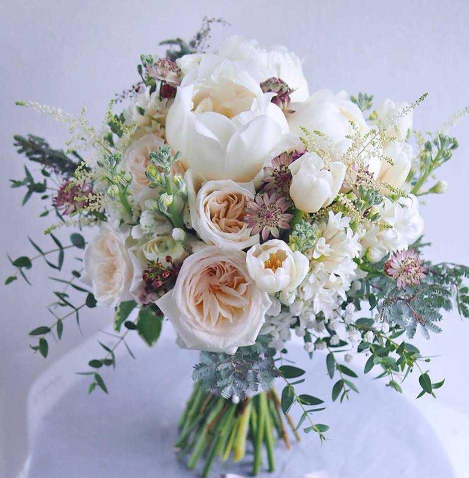 thuê hoa cầm tay cô dâu ở Sài Gòn