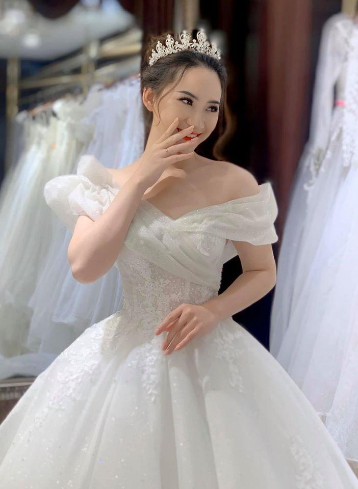 áo cưới cho bà bầu 6 tháng