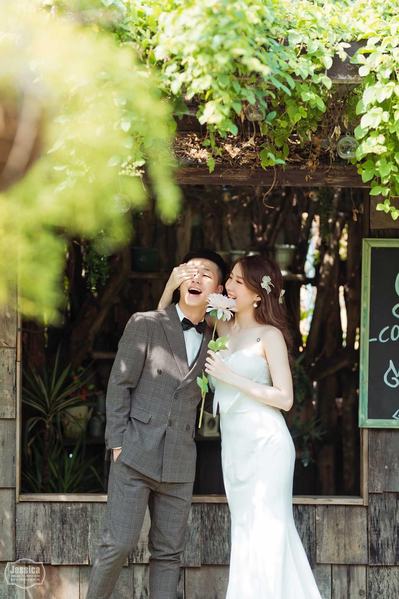thuê váy cưới chụp ảnh studio