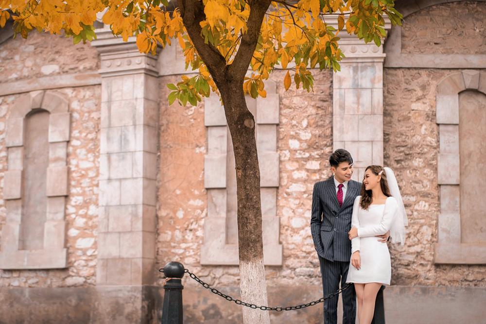thuê váy cưới chụp hình phong cách cổ điển