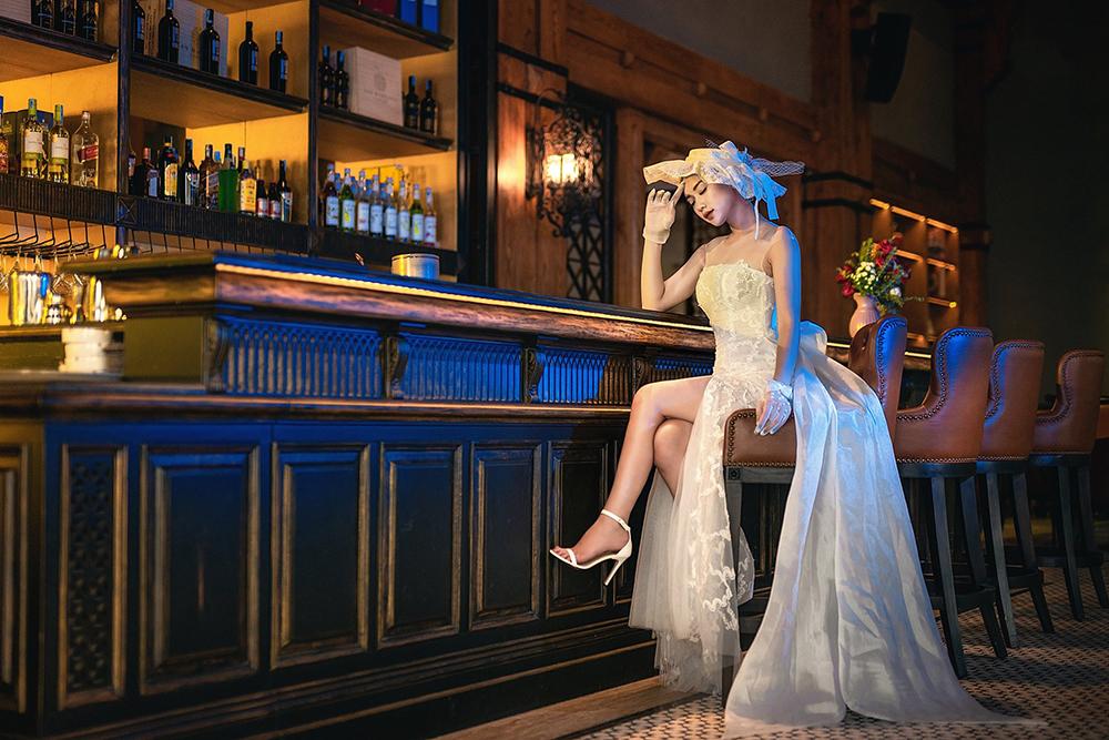 thuê váy cưới cổ điển