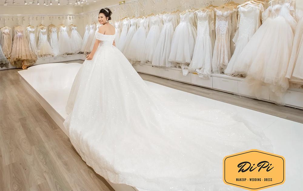 váy cưới cho cô dâu bầu đẹp