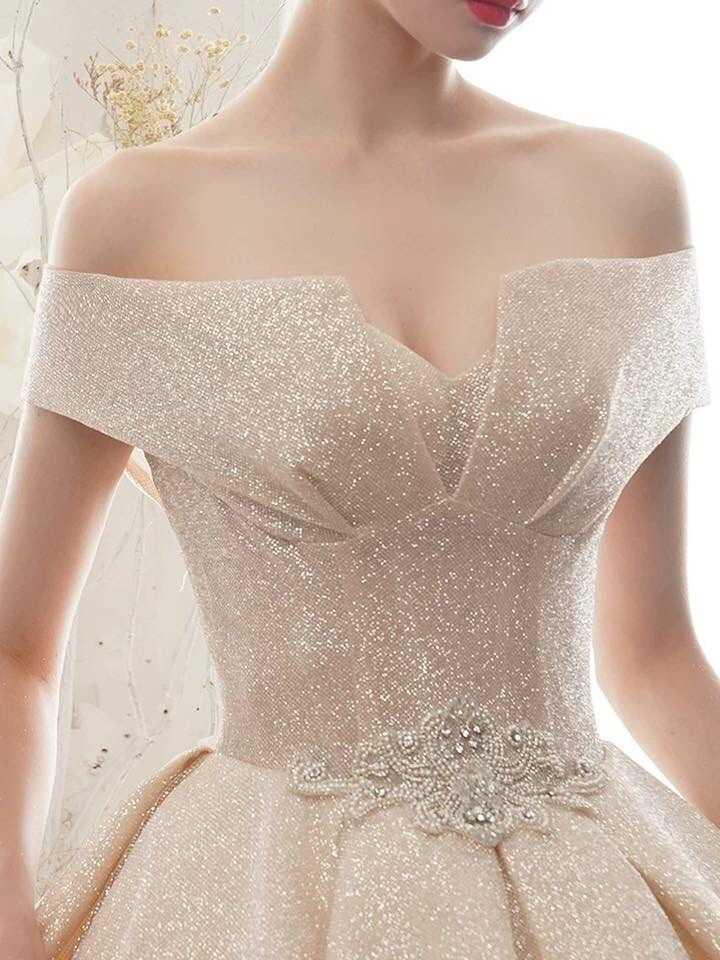 váy cưới cho người ốm