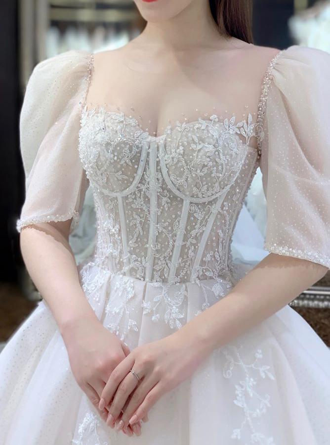 các tiệm áo cưới đường Hồ Văn Huê