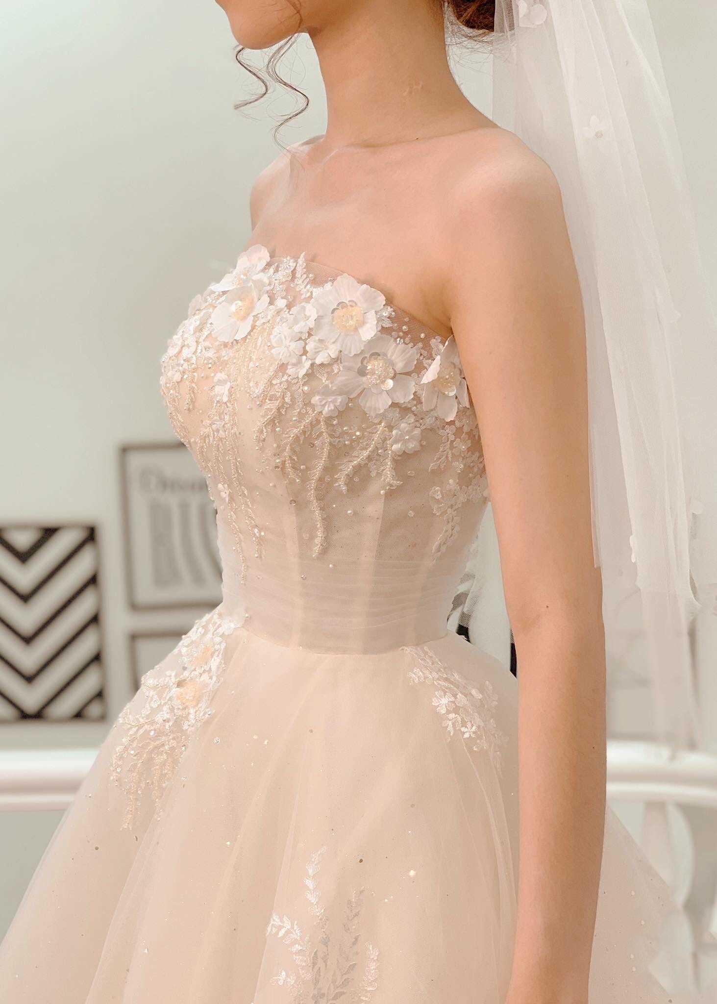 váy cưới cúp ngực đẹp