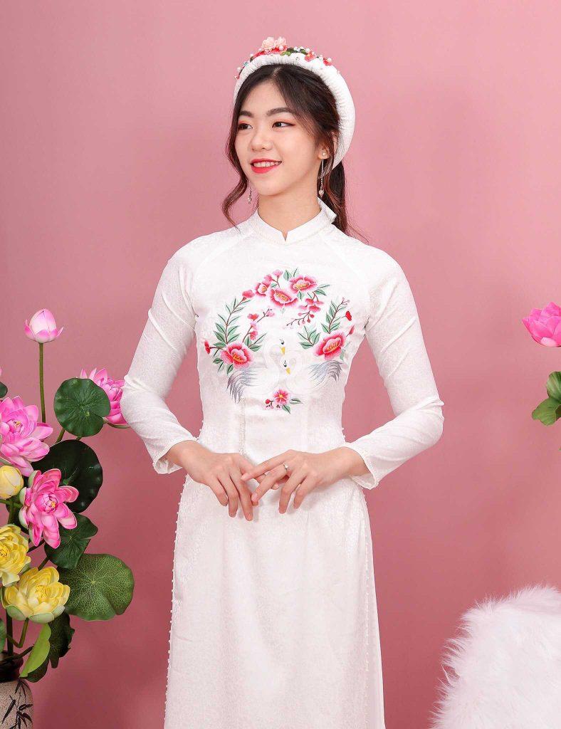 áo dài cô dâu mà trắng