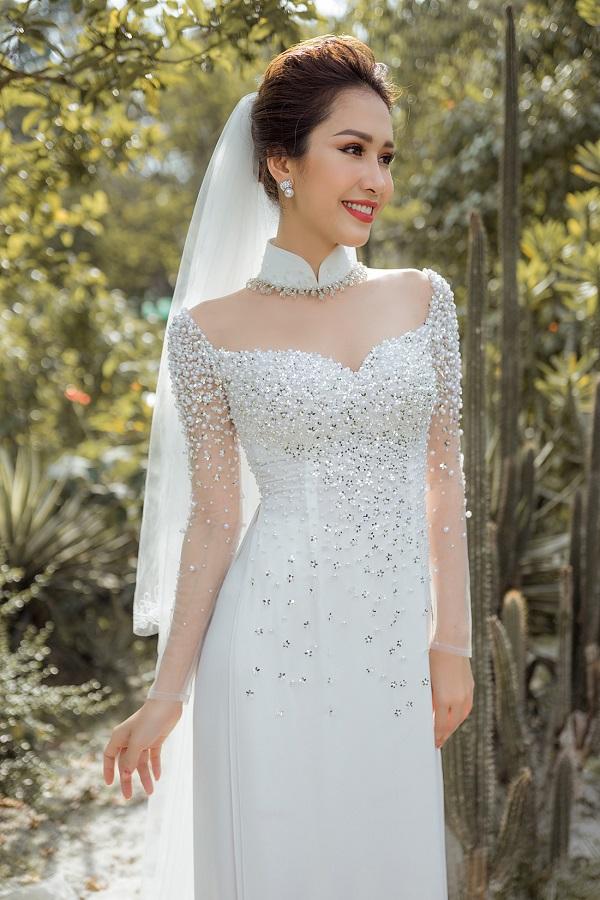 áo dài cưới màu trắng đính đá