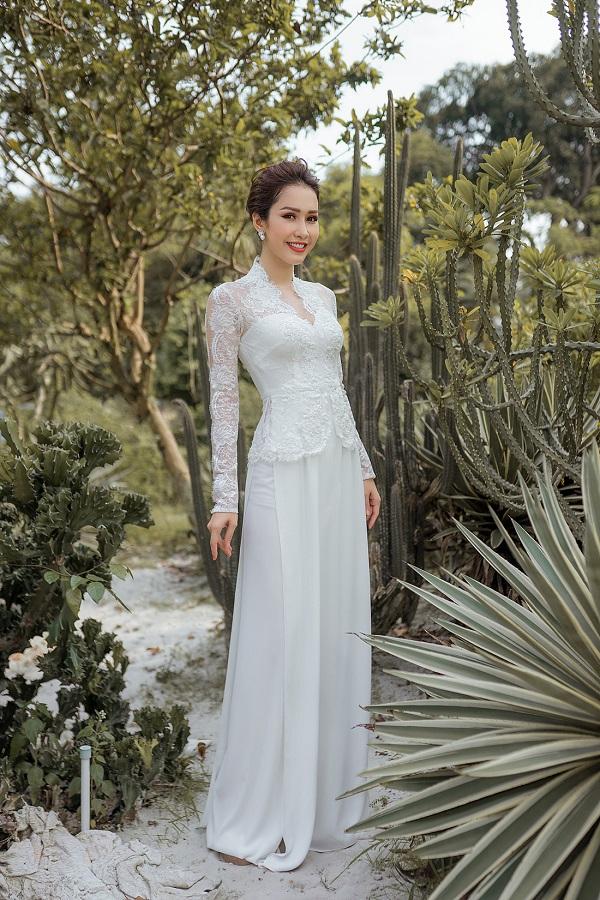 áo dài cưới màu trắng phối ren