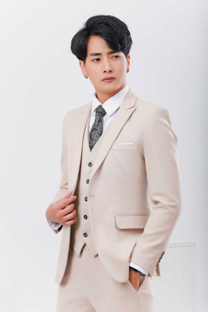 áo vest nam màu kem