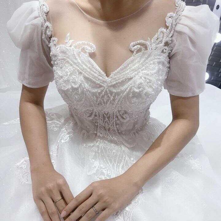 áo cưới đơn giản dễ thương