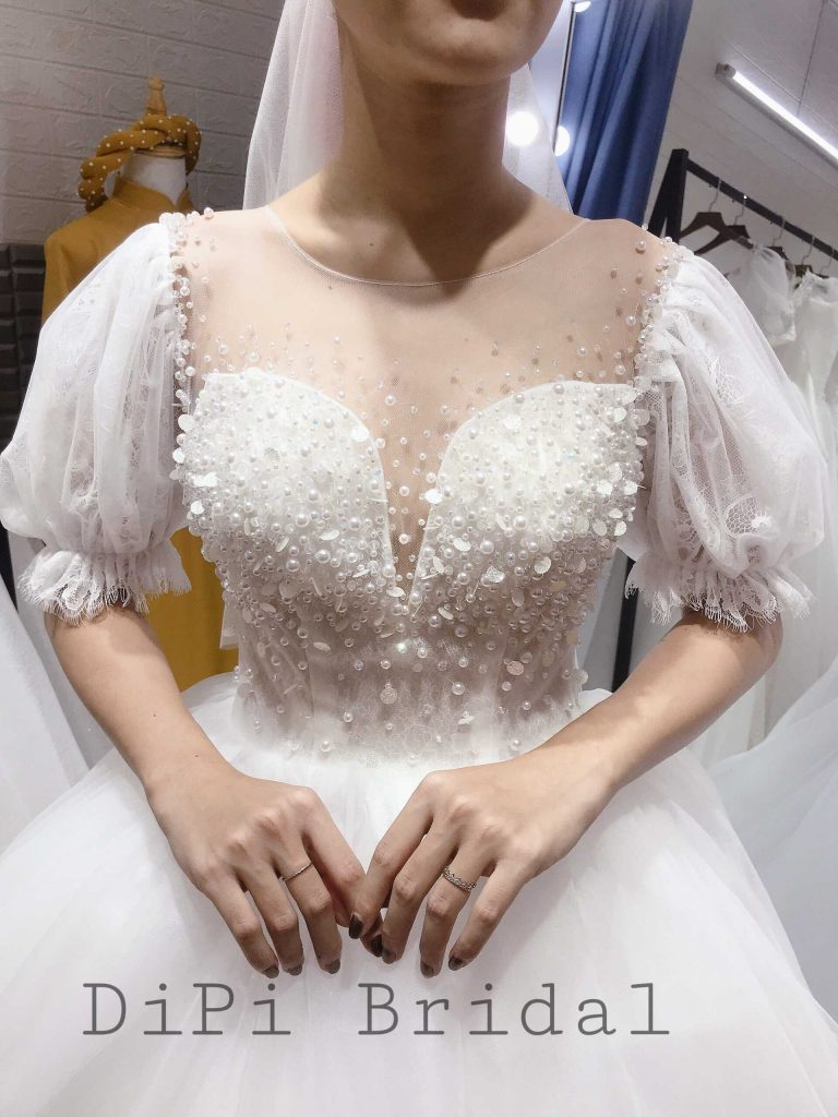 áo cưới đơn giản tay xoè