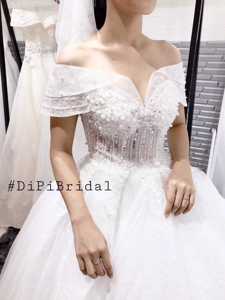 áo cưới đơn giản trể vai