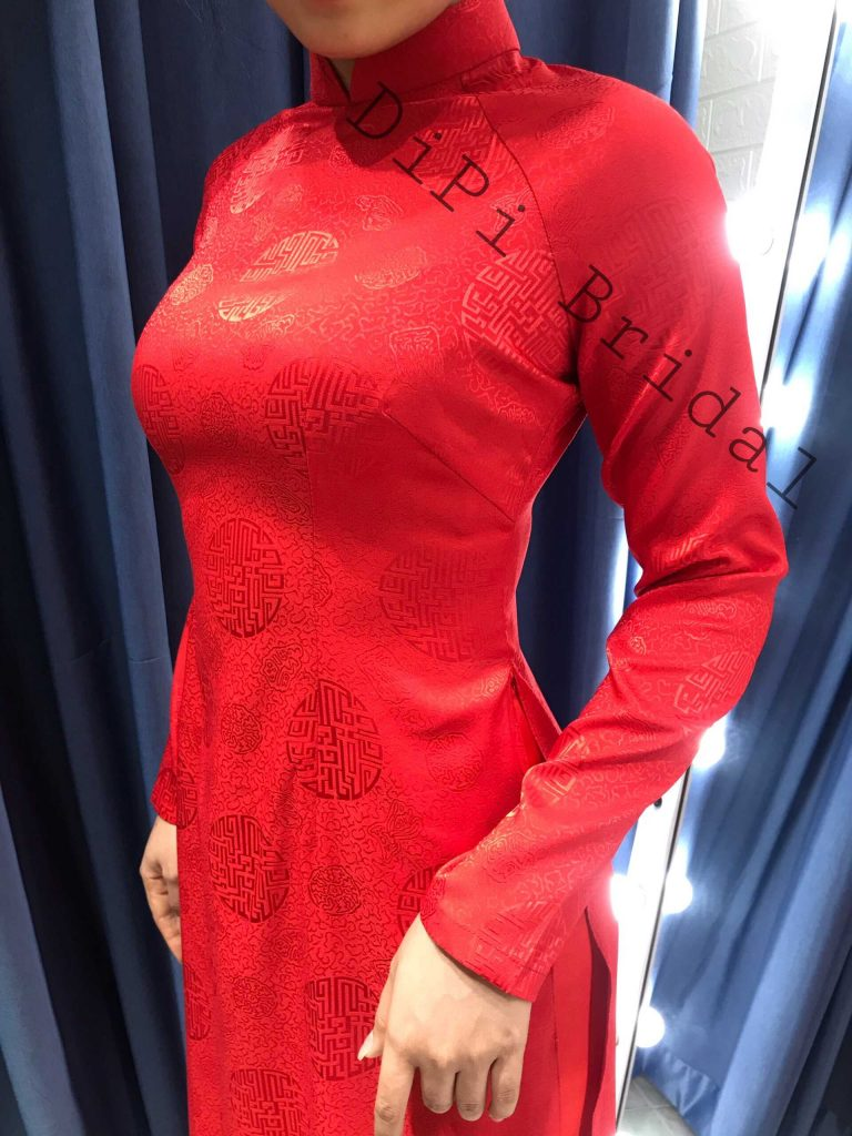áo dài cô dâu đỏ