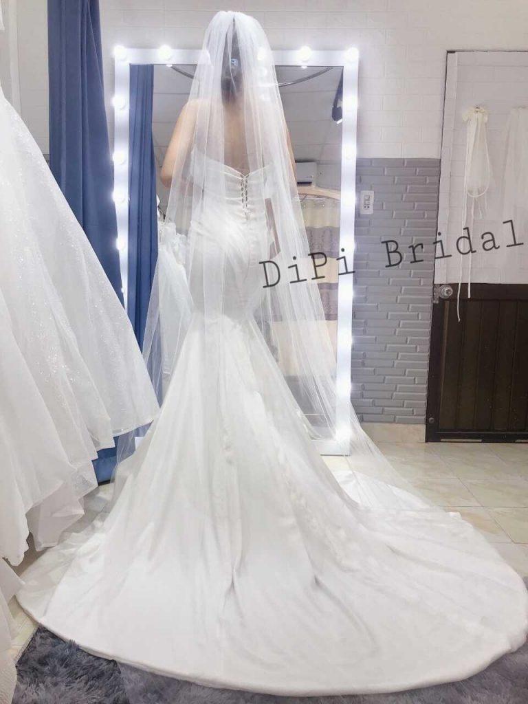váy cưới đơn giản đuôi cá