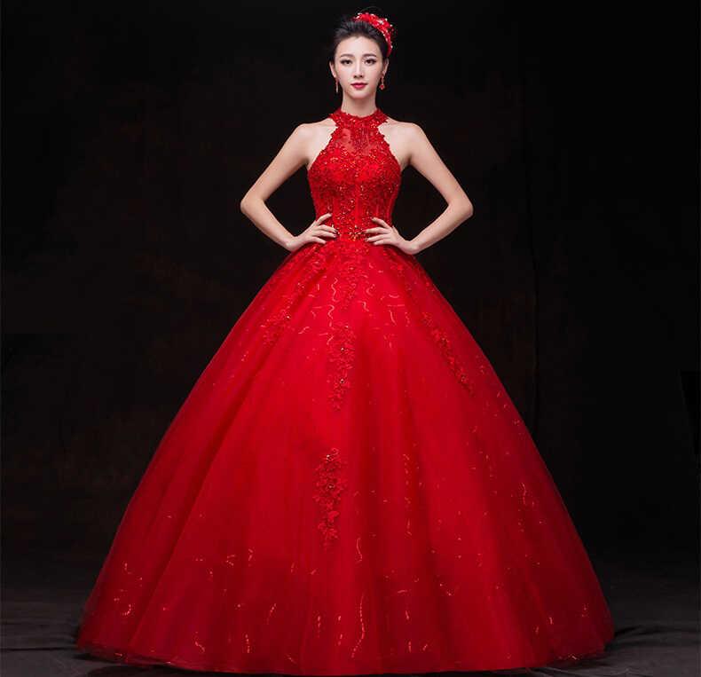 váy cưới màu đỏ cổ yếm