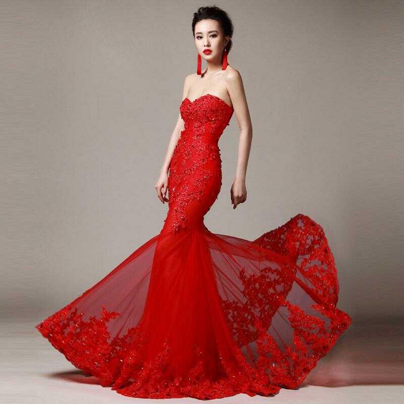 váy cưới màu đỏ cúp ngực