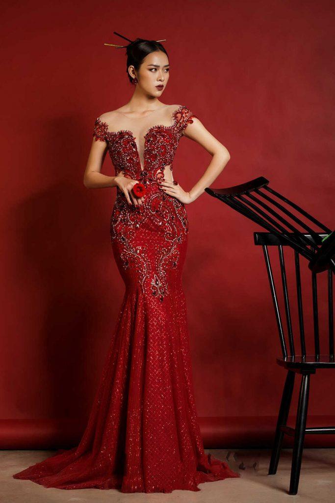 váy cưới màu đỏ trễ vai