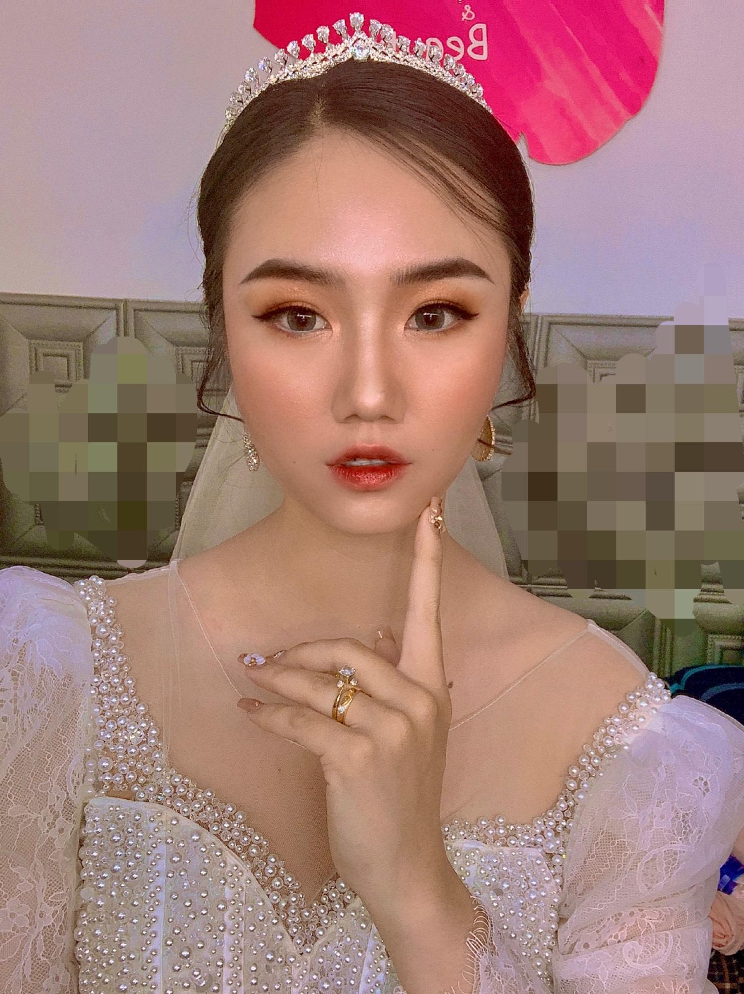 xu-huong-trang-diem-co-dau-thinh-hanh-2021